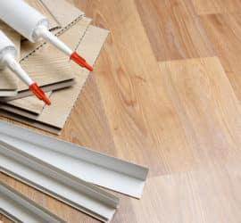 Laminat für die Decke - ideal für große Räume